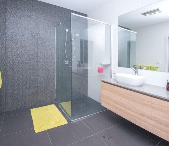 sunshine coast builders - grey bathroom