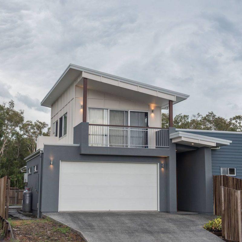 Builder Sunshine Coast - grey house and garage